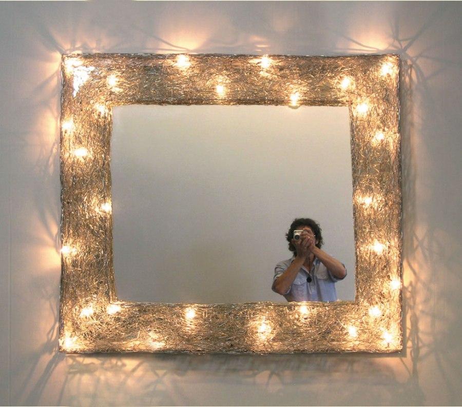 Specchio-MEMROIA-FUTURO-CHE-si-riflette